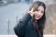 LOONA - Jeon HeeJin 전희진 at Inkigayo mini fanmeeting 170312 #이달의소녀 인기가요 미니팬미팅 이달의소녀