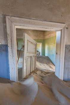The Sands of Time – The ghost town of Kolmanskop