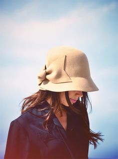 Was given a hat very similar to this pretty little one for Christmas (in black) ... so excited to wear it ♥