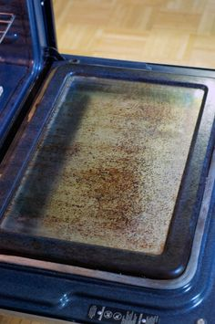 Cleaning the Oven That\'s Never Been Cleaned (And Mostly Succeeding) — Liveblogging The Kitchn Cure Fall 2013