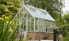 Free Standing | Glasshouse Collections | Griffin Glasshouses | Beautiful Glasshouses of Distinction | Glasshouse Design Guide