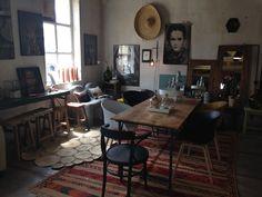 Un passage prévu dans la région d'Avignon? Profitez-en pour faire un crochet à Pernes-les-Fontaines pour y découvrir la Maison Pernoise. Ce concept stor