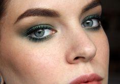 killercolours  KIKO Metallic Shine Eyeshadow – Charming Sage (05) + NYX Eye Liner – Tropical Green