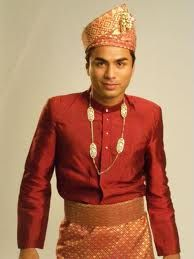 MR INTERNATIONAL 2010 :MALAYSIA WITH NATIONAL TRADITIONAL COSTUME