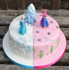 Little Love Cakes: Half n' half Frozen cake with Elsa and Anna