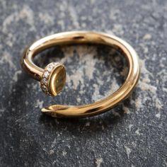 Ювелирная коллекция Avrora Gold - это простота и гениальность. Ничего лишнего.  #avroragold #аврораголд #девушка #украшения #золото