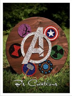 Ideas Gallery The post Avengers super hero sting art ! appeared first on Decors. Cute Crafts, Crafts To Do, Arts And Crafts, Diy Crafts, Resin Crafts, Nail String Art, String Crafts, Hilograma Ideas, Paper Embroidery