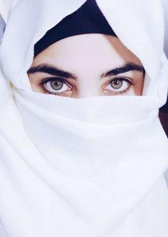 ผ้าคลุมขาวนัยตาขาว.สวย.