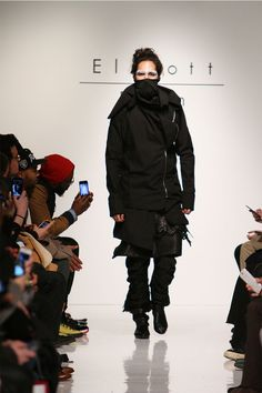 Elliott Evan made his New York Fashion week debut with the presentation of his Fall/Winter 2013. Elliott's new collection builds on the male form and then extends the silhouette with high collars, drapery and fabrication, all carefully handcrafted.... »
