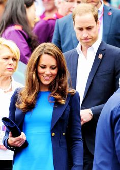 Will and Kate in blue