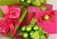 Hot Pink & Lime Green Christmas wrapping ideas for your gifts! Wrapping Ideas, Creative Gift Wrapping, Gift Wrapping Paper, Creative Christmas Gifts, Christmas Gift Wrapping, Creative Gifts, Christmas Presents, Unique Gifts, Handmade Gifts