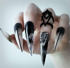 43 Captivating Halloween Nails For Beautiful Style In This Fall - Artbrid - 3d Nail Designs, Halloween Nail Designs, Halloween Nail Art, Gothic Halloween, Halloween 2019, Nails Design, Halloween Crafts, Halloween Makeup, Halloween Decorations