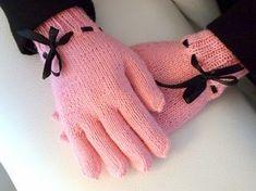 Neulotut sormikkaat ohje Knitting Socks, Knit Socks, Knitting Projects, Fingerless Gloves, Arm Warmers, Mittens, Diy And Crafts, Crochet, Jade