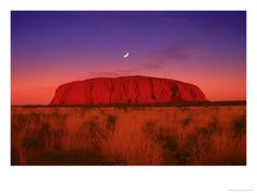 Incredible photos:This is the Ayers Rock in Australia who is in a sunset. Beautiful Places To Visit, Beautiful World, Places To Travel, Places To See, Travel Destinations, Ayers Rock Australia, Different Planets, World Of Color, Naturally Beautiful