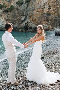 Ibiza romance. Beautiful boho bride and groom on the beach. Photography Ana Lui #wedding