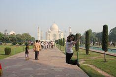 Saltando en el Taj Mahal, Agra