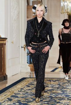 A look from Chanel's 2017 Métiers d'Art collection. Photo: Chanel.