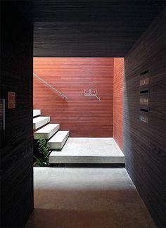 Dentist Clinic: Fukuyama, Hiroshima by UID | blueverticalstudio | a cross media studio + a global design resource
