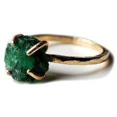 Raw emerald ring   In 14k yello gold - Sarah De Garperis