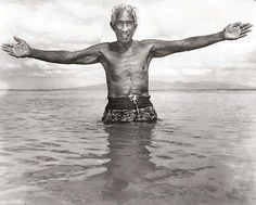Duke Paoa Kahinu Mokoe Hulikohola Kahanamoku was born on August 1890 in Honolulu Hawaii Sunset Beach Hawaii, Honolulu Hawaii, Aloha Hawaii, Olympic Swimmers, Vintage Surf, Vintage Hawaiian, Hawaiian Islands, Duke, Vintage Photos