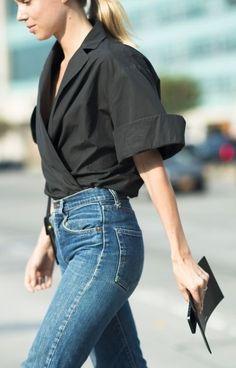 um jeans perfeito e uma camisa social preta perfeita