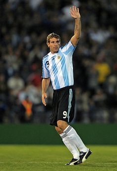 Martin Palermo Steven Gerrard, Good Soccer Players, Football Players, Premier League, Rugby, Martin Palermo, All Star, Argentina Football Team, Messi