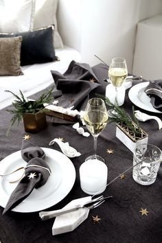 New Year's Eve tablescape : by THERESE KNUTSEN