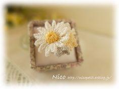 """mieです  繊細なレース糸で編むお花のアクセサリー """"Flower garden""""シリーズのリングです  こちらの作品は 本日peti..."""