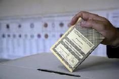 Secondo il genio Napolitano e i suoi accoliti votare quattro mesi prima della scadenza naturale della legislatura sarebbe una iattura. Ovviamente per loro