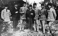 Dinge en Goete (Things and Stuff): This Day in World War 1 History: October 1918 : Ottoman Empire signs treaty with Allies Bad Picture, Picture Show, Art With Meaning, Turkish Army, Drama Class, The Turk, Ottoman Empire, Googie, The Republic