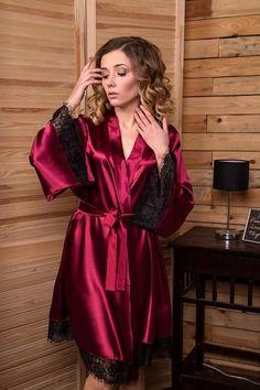828719de94d1 Satin robe Black lace robe Bridal robe Bridesmaid robe Kimono robe Lace  dressing gown Robes for women Wedding robe Bridal party robes