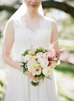 lovely bridal #bouquet from Sweetwater Branch Inn Wedding: http://www.trendybride.net/sweetwater-branch-inn-wedding-gainesville-fl/