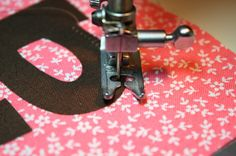 ♥ Pinner says: How to applique curves...I read this months ago and never pinned it, and have regretted it ever since! So glad I found it again!.