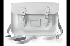 Celebrities y street style con el bolso satchel de The Cambridge Satchel Company: satchel blanco clásico.