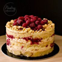 This Momofuku style basil raspberry cake is a wonder of the pastry world with its bold flavor mix and beautiful layering. Just a taste and you will be hooked! Momofuku Recipes, Momofuku Cake, Raspberry Lemonade Cake, Milk Bar Cake, Just Desserts, Delicious Desserts, Christina Tosi, Cake Recipes, Dessert Recipes