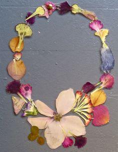 veronica guiduzzi, collana fiori plastificati e cuciti, 2011