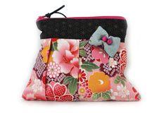 http://nekonekodesign.bigcartel.com/product/rupu_albaricoque  Rüpu de NekoNeko es una bolsita muy práctica y muy mona donde podrás guardar todo lo que quieras o necesites en cada momento y llevarlo en bolso bien organizado.