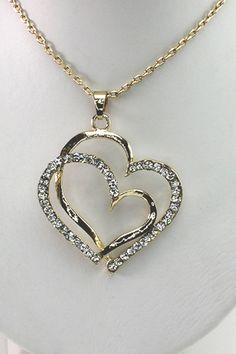 Flot halskæde med hjerte fåes både i sølv og guld belagt. Se flere smykker på veny.dk