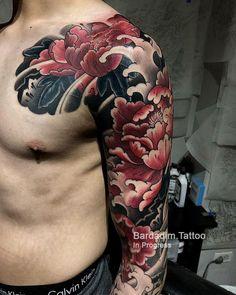 Japanese Peony Tattoo - In Progress - Japanese Sleeve Tattoo. Tattoo Artist George Bardadim, based in NYC. Resident artist at Tattoo Culture, Brooklyn Tattoo Shop. Japanese Peony Tattoo, Japanese Wave Tattoos, Japanese Tattoo Women, Japanese Tattoo Designs, Japanese Sleeve Tattoos, Chinese Tattoos, Irezumi Tattoos, Leg Tattoos, Tattoos For Guys