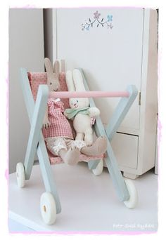 Bunnies For Baby Maileg Bunny, Furniture Ads, Little Girl Rooms, Wood Toys, Diy Toys, Kids And Parenting, Diy For Kids, Kids Bedroom, Baby Room