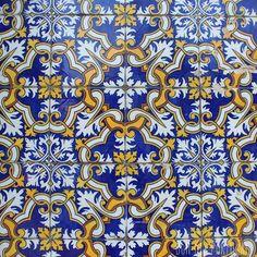 #passionazulejos #instazulejos #azulejos #BomDiaPortugal #Portugal #tileaddiction by passionazulejos