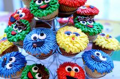 Sesame Street cupcakes!!  Join Our Party! Will end in one hour #Comment andRepin