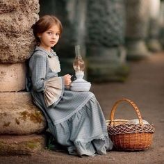 """queenhavilliards: """" Fairytale retellings by Rosamund Hodge → Crimson bound """" """"I knew you lived,"""" her mother said after a moment. """"Any daughter of mine would be ruthless enough. Cute Kids, Cute Babies, Foto Picture, Anna Pavaga, Baby Kind, Beautiful Children, Little Princess, Belle Photo, Children Photography"""