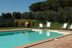 Villa Vada || www.sonnigetoskana.ch || Italien, Provinz Livorno, Vada, Privater Pool, nahe beim Meer. Nur etwa 3 Km von der Küste entfernt liegt diese gepflegte Villa mit privatem Pool und 6 Schlafzimmern. #urlaub #vacation #travelitaly #italiantrips #familytravel #familyvillas #familyoccasions #toskanaferienhaus #ferienhaus #luxurytravel #luxuryvilla #holidayhomes #livornoluxuryvilla #livornoholidayhomes #livornoferienhaus #italienurlaub #tuscanvillasforrent #tuscanyvillasforrent…