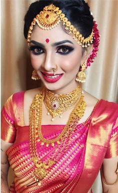 Beauty Pictures: south indian bride in saree Kerala Bride, Hindu Bride, South Indian Bride, Marathi Bride, Marathi Wedding, Indian Bridal Makeup, Indian Bridal Wear, Saree Wedding, Bridal Sarees