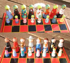 Custom Zombie and Survivor Chess Set - AWESOME!!!