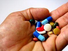 De controle op het medicijngebruik van 65-plussers faalt nog steeds. Ouderen maken zelden gebruik van de jaarlijkse medicatiebeoordeling. Een actief aanbod komt zelden voor. Apothekers en huisartsen vinden de vergoeding die...