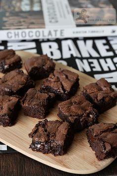 Bake for Happy Kids: Best Chocolate Brownies (Kirsten Tibballs)
