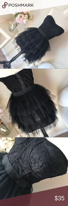 """Black Lace & Tulle Dress Measures 15"""" across chest 12"""" across waist 26"""" (stretches) inches long Forever 21 Dresses"""