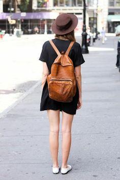 sac a dos college fille, robe fille noire, chapeau marron